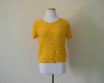 FREE usa SHIPPING Vintage ladies pullover knit blouse short sleeves scoop neck bright yellow size s-m