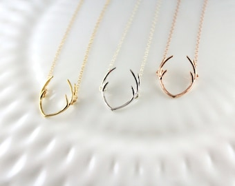 Deer antler necklace - Your choice of color, Silver, Gold, Rose gold - Trendy jewelry - Horn necklace - Gift for her - Outdoor lover