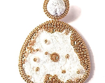Earrings white lace and gold glass beads