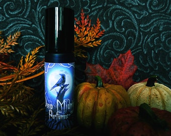 HARVEST HOME Perfume Oil - Tilled earth, cedar, leaves, berries, spices, apple, pumpkin, azalea flowers - Gothic Autumn - Fall Fragrance