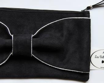 Black suedine bow clutch