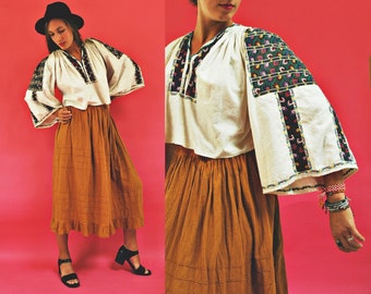 vintage Romanian Floral Embroidered Cropped Traditional Folk Blouse