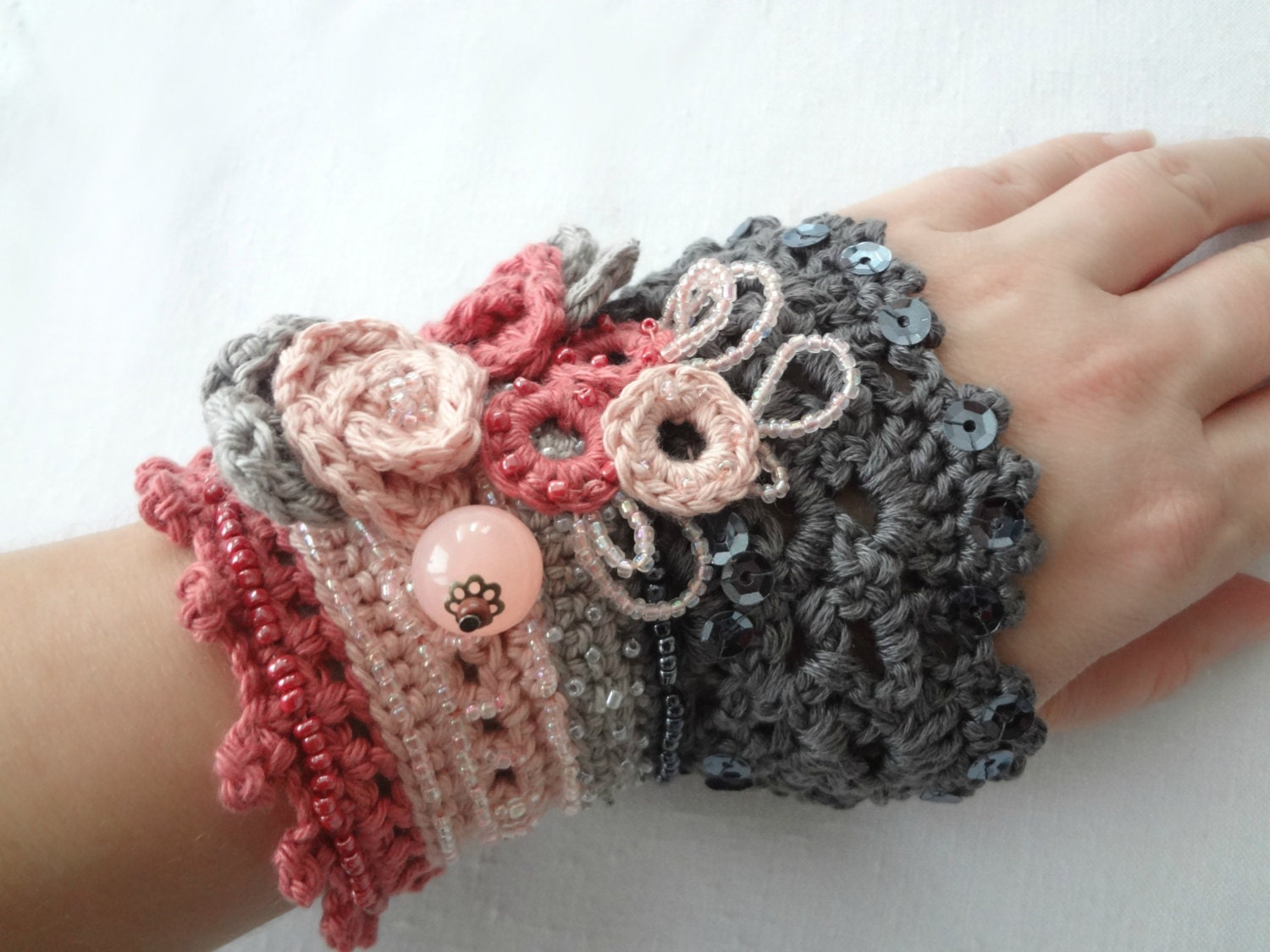 DIGITAL CROCHET PATTERN Roses in Bloom Crochet Cuff