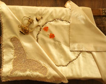 Ivory Purls on Satin Table cloth- Bridal collection
