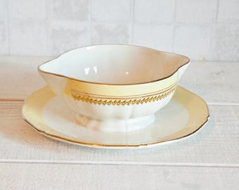 Gorgeous french porcelain Gien sauce boat - White, yellow and golden vintage french ceramic jewelry dish - Shabby chic