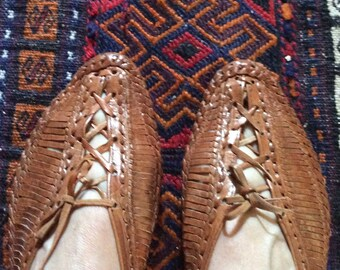 Handmade Woven Shoes - Leather Woven Oxford Shoes - Woven Loafer - Huaraches Style -