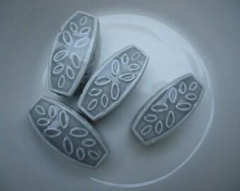 4 Light Gray Loose Beads