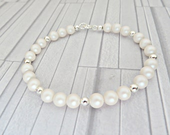 White pearl bracelet, Pearlescent White bracelet, White bridal bracelet, Pearl & silver bracelet, Crystal pearl bracelet, Made in the UK