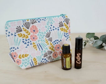 Essential oil bag. Mother's Day oil gift. Roller bottle bag. Floral Oil storage. Oil travel bag. Oil zipper pouch. Padded oil pouch
