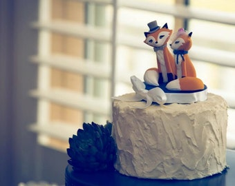 FOX Wedding Cake Topper - Warranty Protection Included