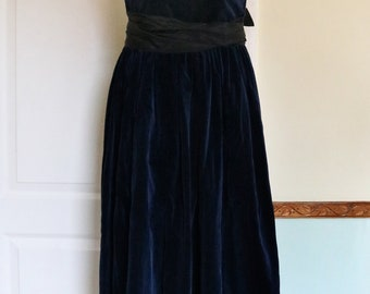 1980's Velvet Laura Ashley Dress - Size 8