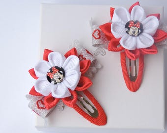 Kanzashi fabric flowers. Snap clips. Set of 2 hair clips.   Girls hair clips. Red and White.