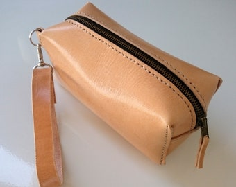Leather Makeup Bag,  Leather dopp kit ,  Shaving Bag , Leather purses , Makeup bag , travel bag , toiletry bag , cosmetic bag , dopp kit bag