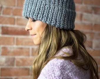 Hand Knit Hat, Alpaca, Wool, Chunky Knit Hat, Pom Pom, Knitting, Handknit, Winter hat, Winter Cap, CAP N1
