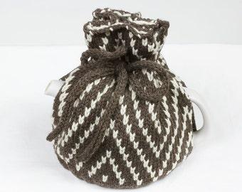 Knitted Teapot Cozy cosie Dark gray and Natutal Yarns, Heather yarns, Scandinavian Fair Isle Design, Teapot sweater, One size teapot cozie
