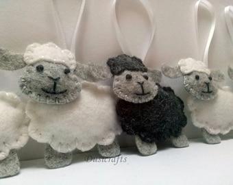 Felt Sheep ornament, white sheep ornament, black sheep ornament, wool felt Lamb ornament, Christmas sheep ornament, Christmas decorations