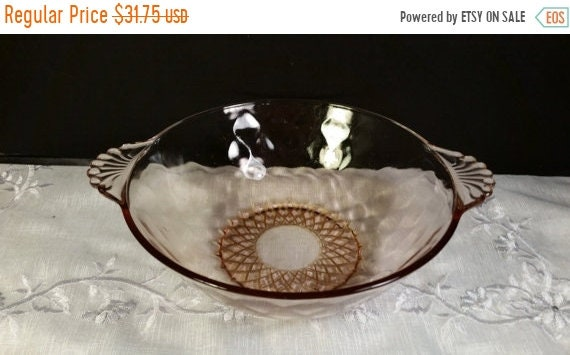 Sale Clearance Pink Depression Glass Bowl Vintage Fan Shell Double Handles Bubble Quilted Glass Art Deco 1930's Depression Glass Round Servi