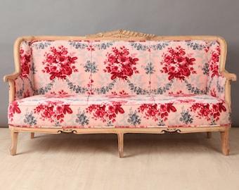 Vintage Sofa - red rose