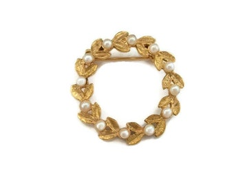 Pearl Brooch Mid Century Faux Pearls Goldtone Excellent Vintage Condition