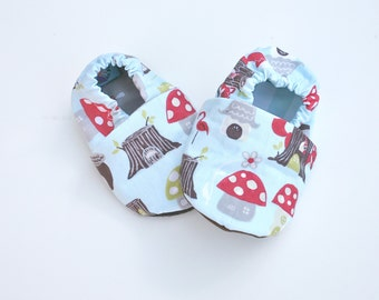Mushroom Organic Cotton Baby Shoes 0 3 6 12 18 months - Baby Booties with Toadstools, Fox and Tree stumps Toddler Slippers. Baby Soft Sole