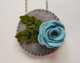 Felt Flower Pendant, Felt Floral Pendant, Felt Flower Necklace, Felt Floral Necklace, Felt Jewelry, Felt Rose, Rose Jewelry, Blue Flower