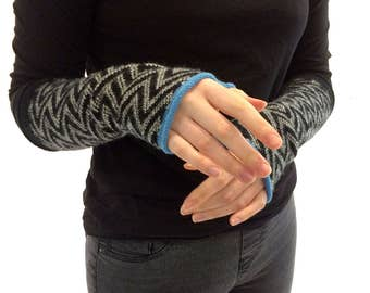 Lambswool Machine Knitted Fair Isle Arm Warmers in Black and White