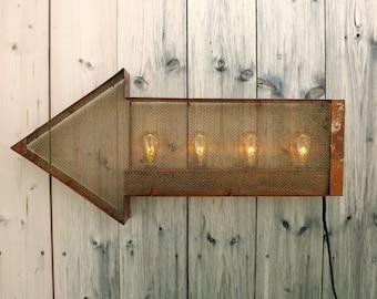 Industrial arrow light Primitive marquee sign Steampunk arrow Mesh arrow lamp Edison bulb lamp Shabby chic decor