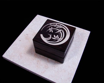 Engagement Ring Box. Flower 2.  Free Engraving and Shipping. RB-57