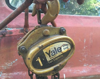 Vintage Yale One Ton Chain Hoist Chain Fall Model SH-1 20ft Drop Shop King Collectable Tools Vintage Tools