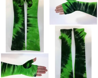 Green tie dye gauntlet, arm warmers, fingerless gloves.
