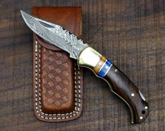 Winchester No. 1.4 (Small) - Damascus Folding Knife with Camel Bone and Walnut Wood Scales