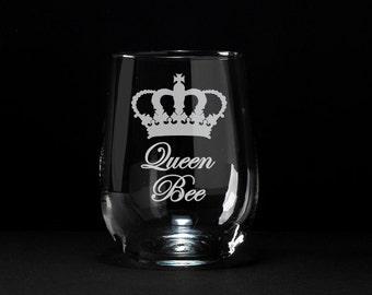 Queen Bee Wine Glass, Etched Queen Bee Wine Glass, Boss Lady Gift, Queen Bee, Gift for a Queen, Queen Bee