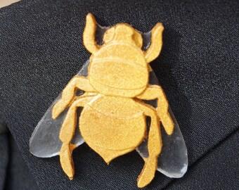 Bumblebee pin Golden resin