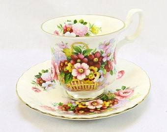 Vintages Royal Albert, Bone China England, Summertime Series ''Fairford'', Porcelain Cup and Saucer