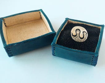 Leather ring gift box, Leather jewelry box, gift box, jewelry case, earrings case, gift for her, handmade leather box, ring jewelry box