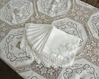 Vintage Filet Lace and Embroidered Cutwork Linen Tablecloth with 12 Napkins