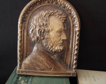 Abraham Lincoln Wall Hanging Plaque - Vintage Wall Decor - Abraham Lincoln Wall Art -  Presidential Portrait in Plaster