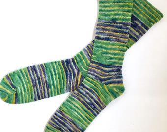 Handmade Wool Socks 437 -- Men's Size 10-12