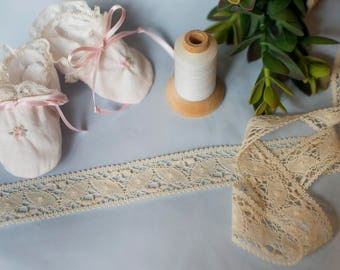 French Cluny Lace - (LCLU138169) 1 3/8 Inch