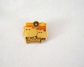 Vintage Australia Travel Souvenir Pin Memorabilia Australian