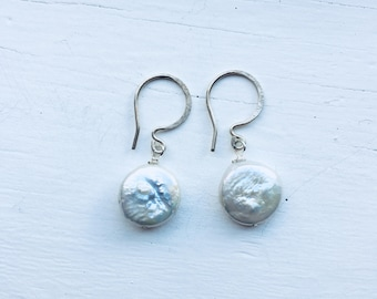 White Coin Pearl Earrings (Silver)