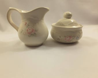 Pfaltzgraff Tea Rose Sugar and Creamer Set