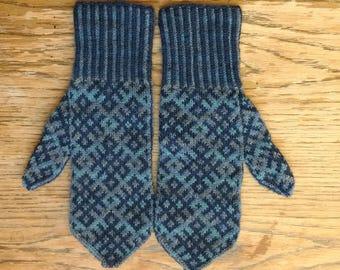 Wool Hand Knit Mittens Women's Blue Purple Geometric Self-striping