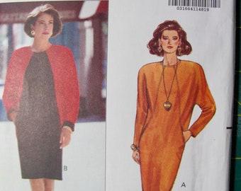 Butterick 5681, Chetta B, Size 6, 8 and 10, Loose Fitting, Straight Dress, Colour Block Option, Side Pockets, Hemline Slit, Back Zipper, Mod
