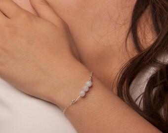 Dainty Moonstone Bar Bracelet, Gold Moonstone Bracelet, Silver Moonstone Bracelet, Moonstone Jewelery, Dainty Bracelet, White Moonstone