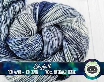 Grey and Blue Variegated Hand Dyed Yarn, Grey yarn, blue yarn, singles, Single Sock Yarn, Merino Wool, Kettle Dye, Superfly Comfort, Skyfall