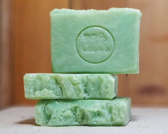 "Apples & Cinnamon Scented ""Lysander"" Soap Goddess Loves Shakespeare Soap, handmade vegetarian, lightly scented, yogurt soap, free shipping"