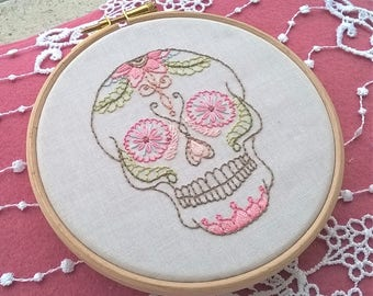 Skull Embroidery KIT -  hand embroidery kit - DIY embroidery Kit - modern embroidery hoop -  beginner needlepoint kits - mexican Skull