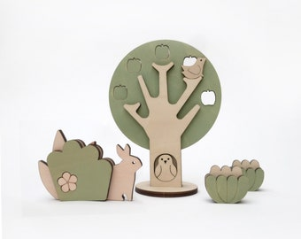 The ochard, wooden plants and animals to play or decorate.