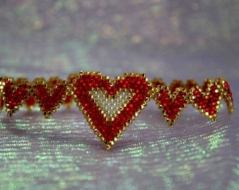 Chain Of Hearts - Brick Stitch Bracelet Beading Pattern